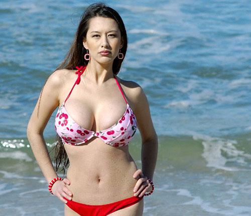 巨胸混血美女吉米优罕见的海边比基尼写真