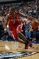 图文:[NBA]休斯顿火箭负小牛 阿尔斯通突破