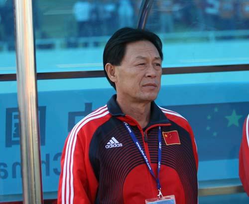 图文:[亚青赛]国青7-1新加坡 刘春明若有所思