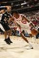 图文:[NBA]马刺负火箭 麦迪直奔篮下