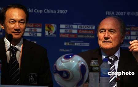 布拉特看好英格兰主办2018年世界杯 不排除中国-国际足联看好英格兰