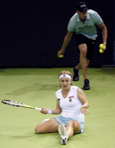 图文:WTA总决赛莎娃2-1库兹娃 库兹涅佐娃落败
