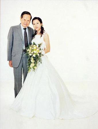 杨振宁翁帆婚照资料图片