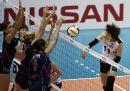 图文:女排世界杯美国3-0韩国 美国队三人拦网