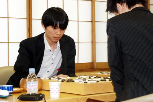 图文:第12届LG杯八强战 李世石击败日本第一人