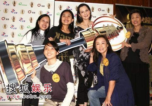 公广集团莫爱芳(左起)、黄湘婷、张莎丽、席曼宁、陈季霞、邱秀敏入围金钟奖。