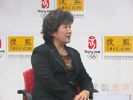 北京第二外国语学院教师 王伟-专访 中国饭店行业服务礼仪规范解析