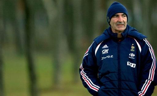 图文:[友谊赛]法国队积极备战 多梅内克很焦急