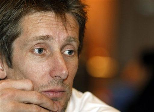 图文:[欧锦赛]荷兰积极备战 范德萨略显惆怅