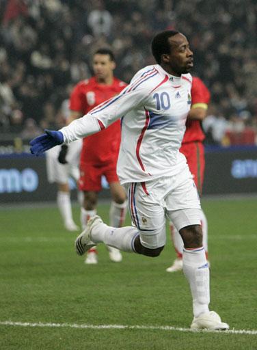 图文:[热身赛]法国2-2摩洛哥 戈武庆祝进球