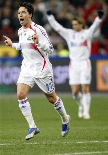 图文:[热身赛]法国2-2摩洛哥 纳斯里一剑封喉