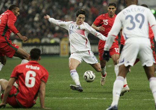 图文:[热身赛]法国2-2摩洛哥 纳斯里拔脚怒射