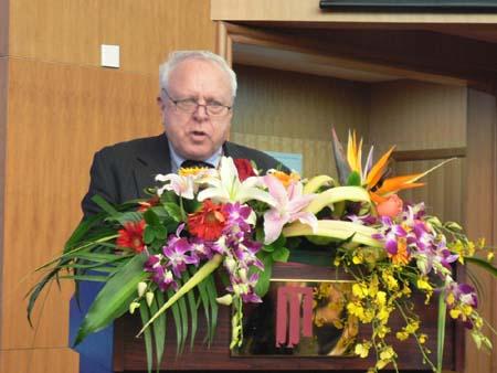 联合国全球契约组织高级顾问 Frederick C. Dubee先生