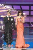 组图:蔡康永与侯佩岑宣布晚会结束