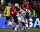 图文:[欧预赛]葡萄牙VS亚美尼亚 C罗控球