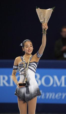 图文:花滑法国站经典回眸 日本小美女喜获冠军