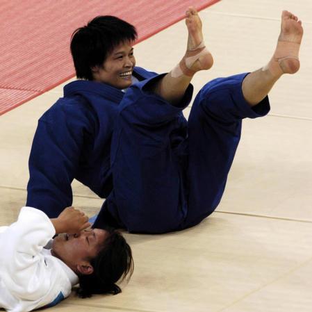 图文:08奥运会中国希望之冼东妹 得意的笑