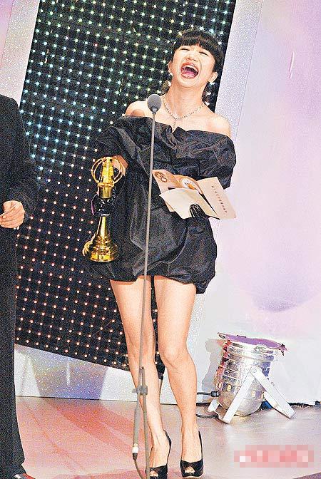 陶子喜悦拿奖,成为本届金钟奖颁奖典礼的最高收视点