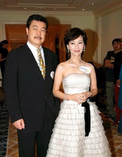 赵雅芝与第二任丈夫黄锦燊