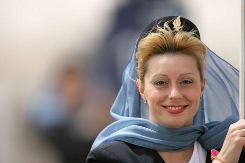 图文:[F1]07赛季巴林站回顾 阿拉伯空姐