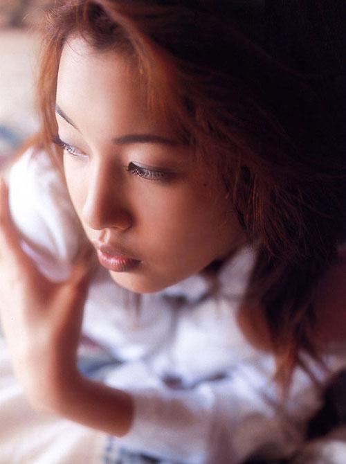 生田沙织初裏_组图:日本清凉美女龙泽沙织忧郁写真