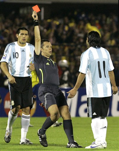 特维斯的红牌为阿根廷的惨遭逆转埋下了伏笔
