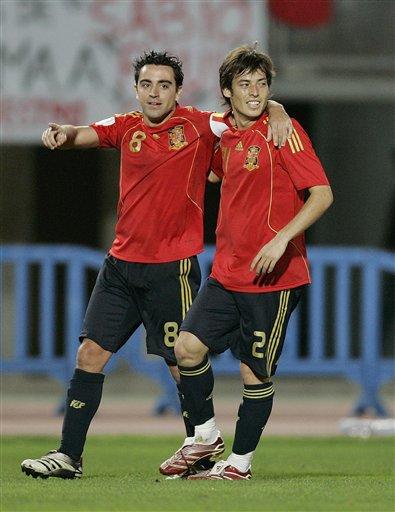 图文:西班牙1-0北爱尔兰 哈维席尔瓦庆祝