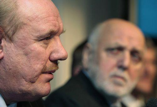 图文:麦克拉伦正式下课 英足总主席宣布决定