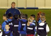 图文:贝克汉姆足球游学日 来自不同国家的孩子