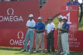 图文:高尔夫世界杯次轮开战 印度队准备开球