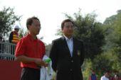 图文:高尔夫世界杯次轮开战 张德培和朱鼎耀