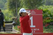 图文:高尔夫世界杯次轮开战 韩国球员李承晚