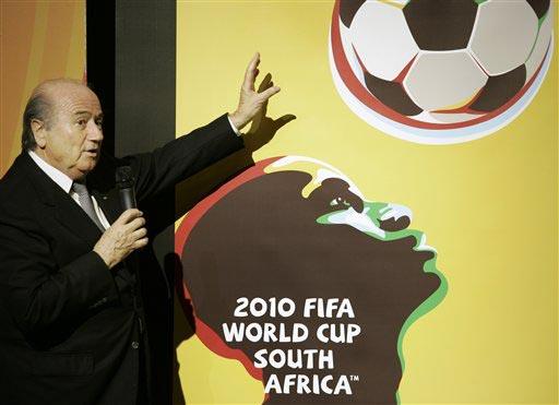 图文:世界杯预选赛分组抽签仪式 布拉特讲解