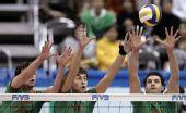 图文:男排世界杯保加利亚3-0韩国 三人拦网