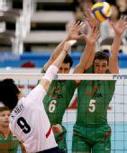 图文:男排世界杯保加利亚胜韩国 双人拦死对手
