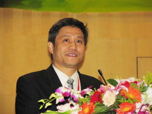 中央音乐学院系主任张伯瑜讲话
