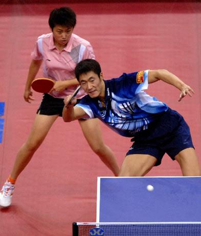 图文:[乒乓球]郝帅刘诗雯夺金 王励勤救险成功