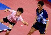 图文:[乒乓球]郝帅刘诗雯夺金 郭跃回球很困难