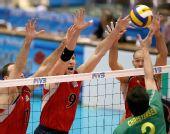 图文:男排世界杯美国胜澳大利亚 美国三人拦网