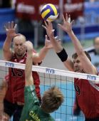 图文:男排世界杯美国胜澳大利亚 二人网上出击