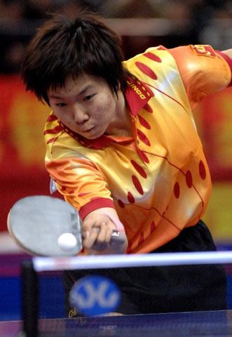 图文:[乒乓球]刘诗雯4-2李晓霞 细腻的刘诗雯