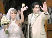 图文:体坛明星婚礼大荟萃 范尼与新娘莱昂汀