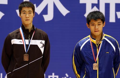 图文:[乒乓球]王皓4-1马龙 第三名的王励勤
