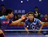 图文:[乒乓球]王皓4-1马龙 静待对手发球
