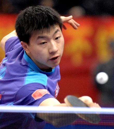 图文:[乒乓球]王皓4-1马龙 决赛马龙无奈失利