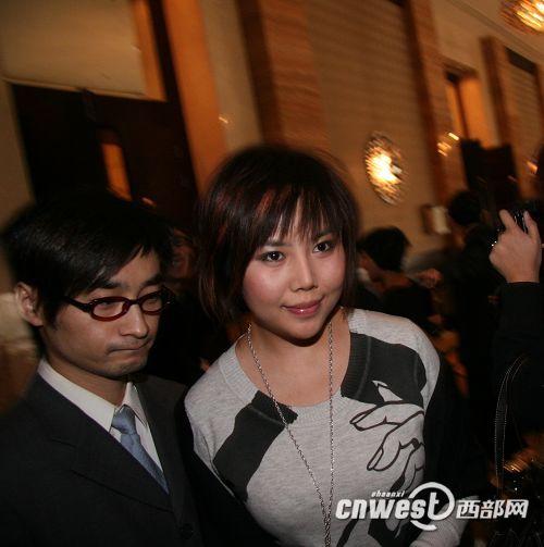 田亮叶一茜婚礼进行时 超女纪敏佳抵达宴会厅