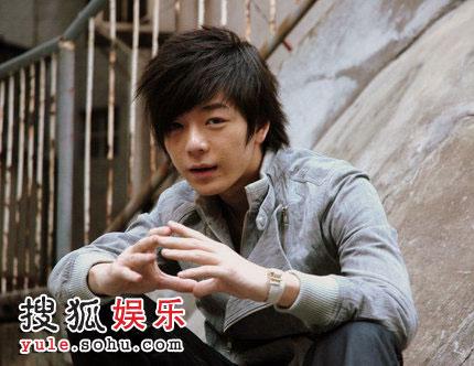 王栎鑫《光》受好评 歌迷建议成为奥运励志歌曲