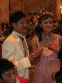 图文:田亮叶一茜大婚 一对新人笑容满面很幸福