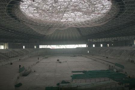 图文:建设中的北京奥运老山自行车馆内部全景