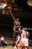图文:[NBA]雄鹿VS尼克斯 梅森张弓射日